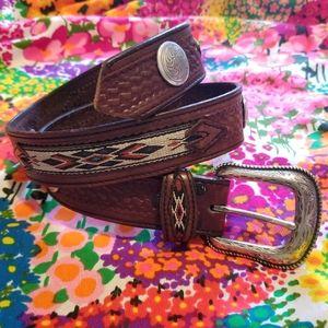 VTG Wrangler Southwestern Boho Leather Brown Belt